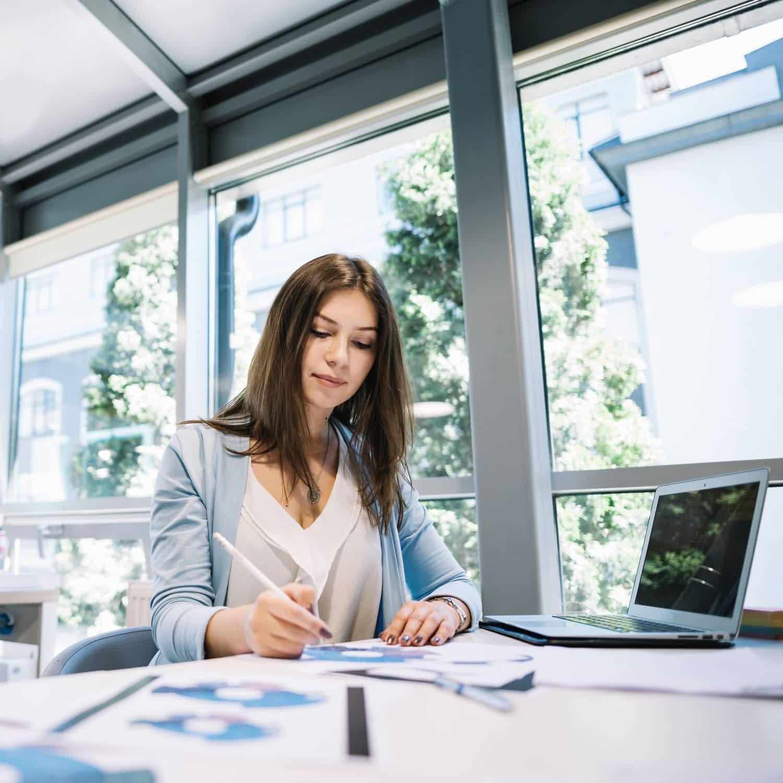 młodszy księgowy stanowisko pracy w biurze rachunkowym Toruń