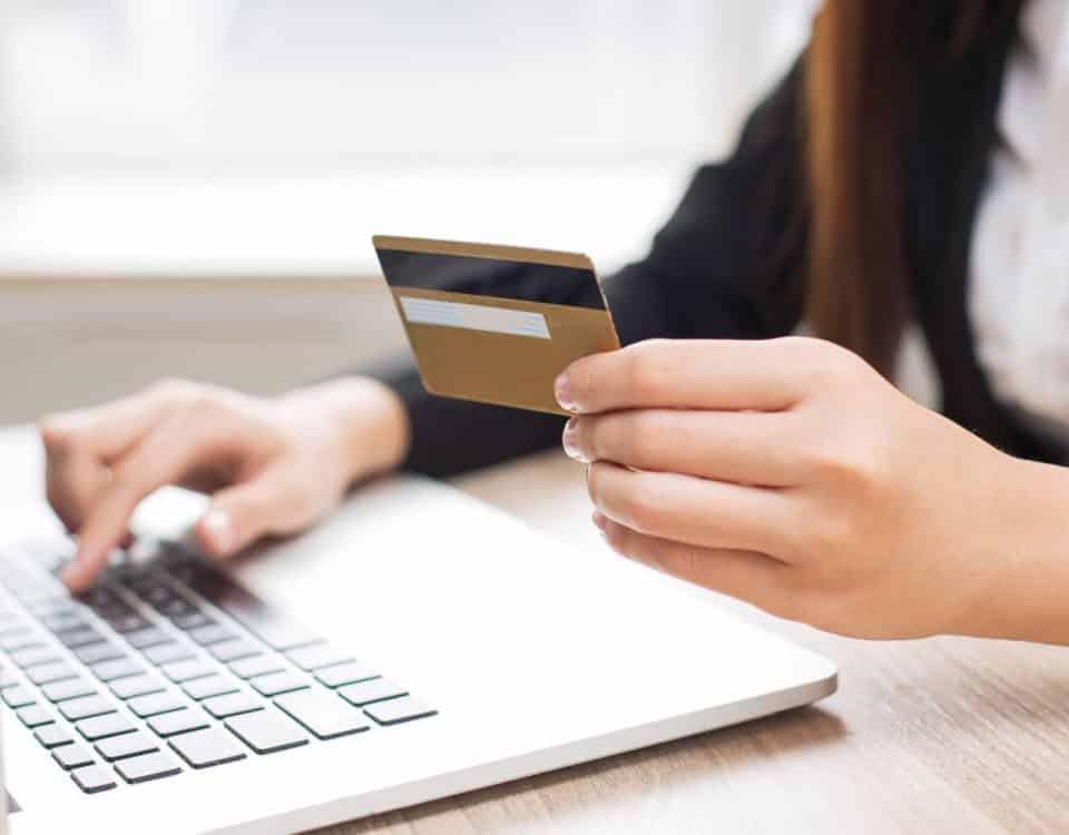 Zwolnienie z kasy fiskalnej a płatności kartą - Poltax Biuro rachunkowe Toruń